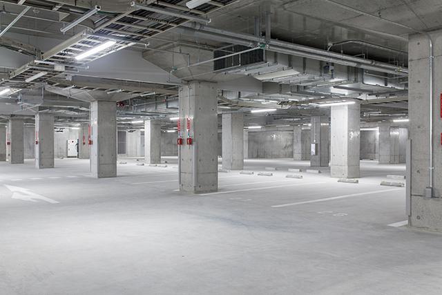 地下駐車場(各戸1台)